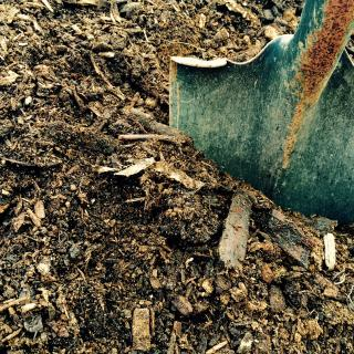 """<img src=""""brown_mulch.jpg"""" alt=""""our brown mulch is an all-natural ground cover"""">"""
